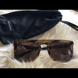 Authentic- Dolce & Gabanna DG4288 sunglasses